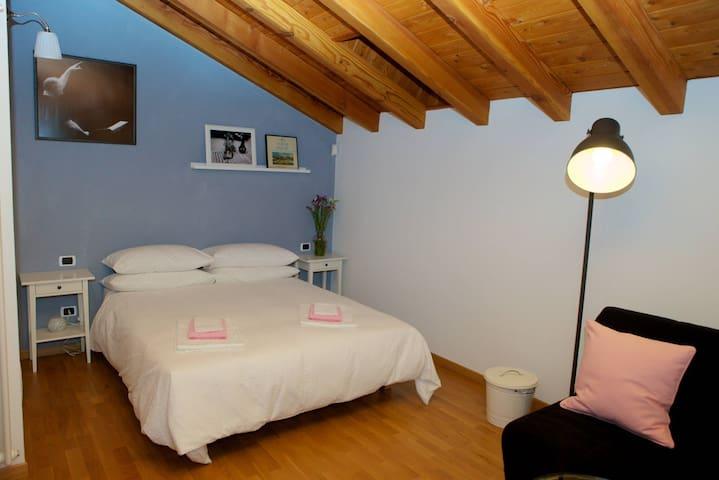 b&b Casa Val, Camere Cassica+Etnica - Quincinetto - Bed & Breakfast