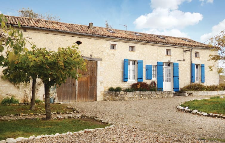 Holiday cottage with 4 bedrooms on 120 m² in Plaisance