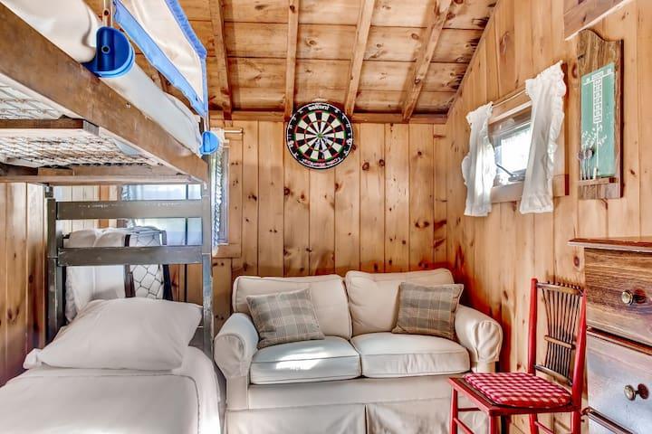 Lakefront 3BR Catskills Cabin - Wurtsboro - Cabana