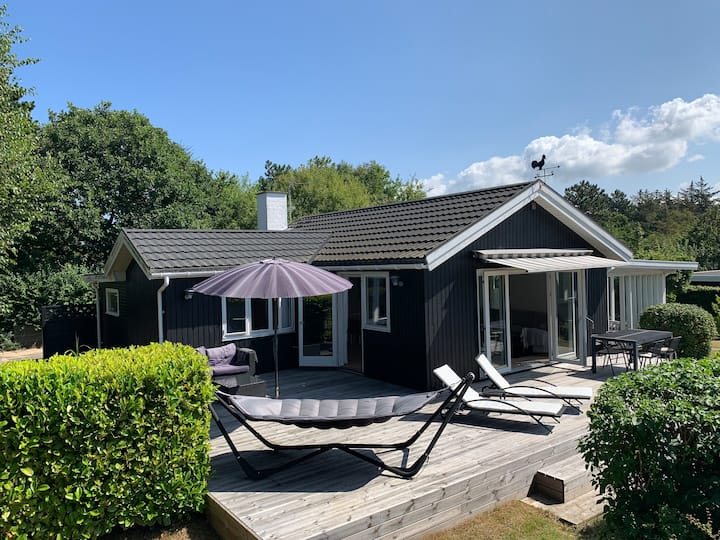 Fantastic cottage 200 meters from the beach