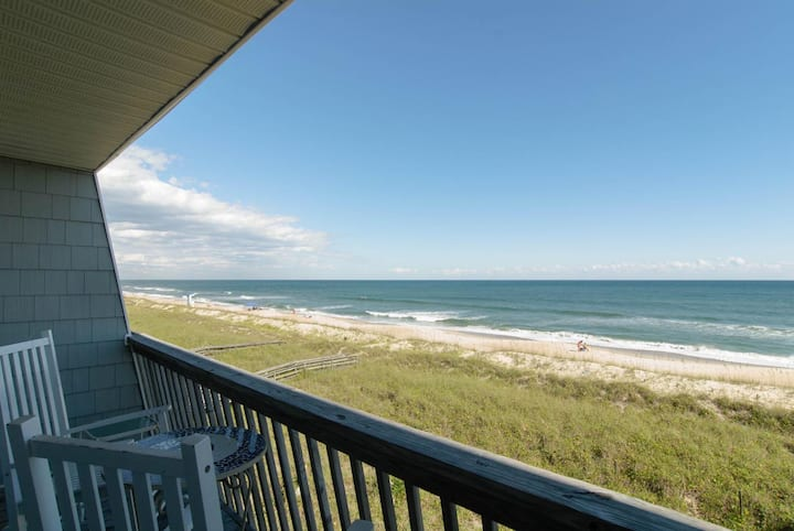 Templeton-Brilliant oceanfront townhouse w/3 levels of ocean views for the family