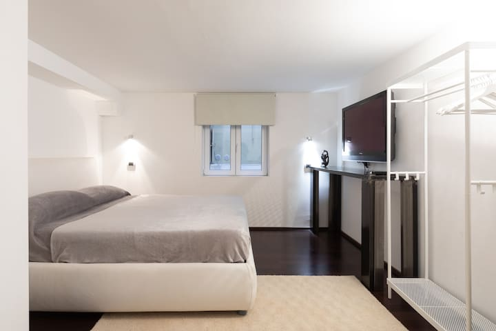 The second double bed room with its own television