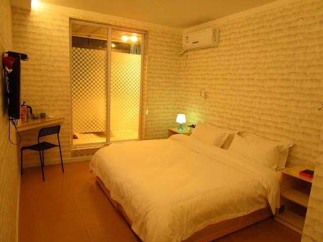 浪漫云间高级大床房