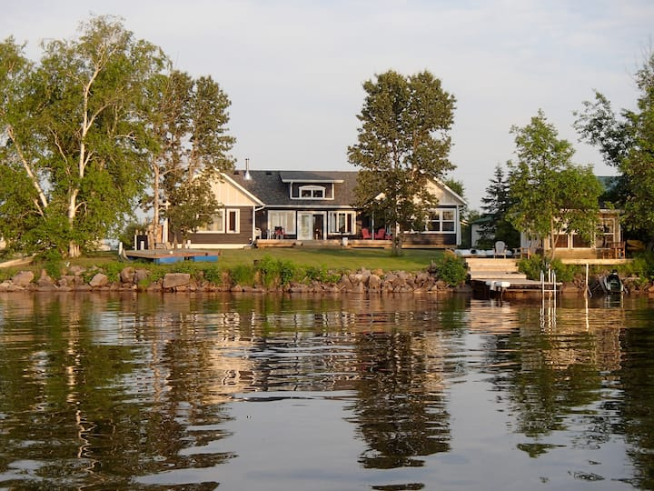 Lac du Bonnet Lake House