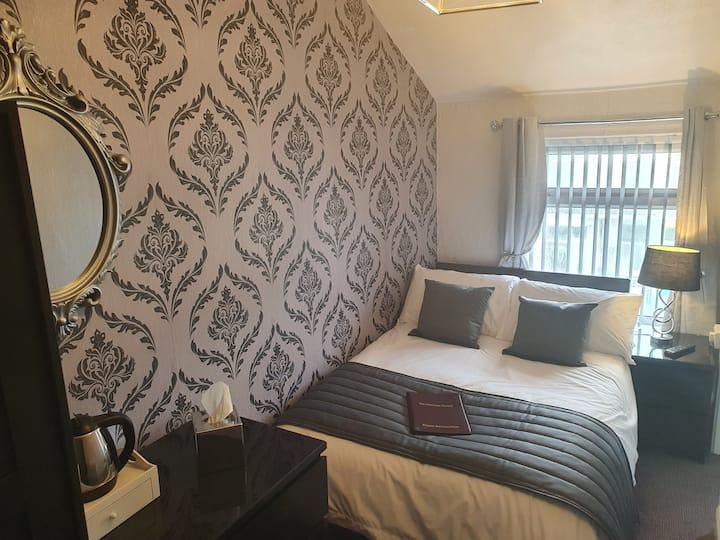Standard Double En-Suite room 11