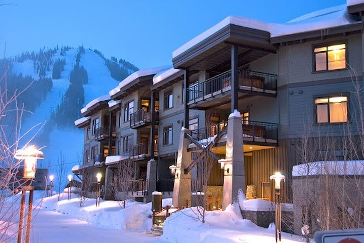 Slalom Creek 2 Bedroom + Discounted lift tickets