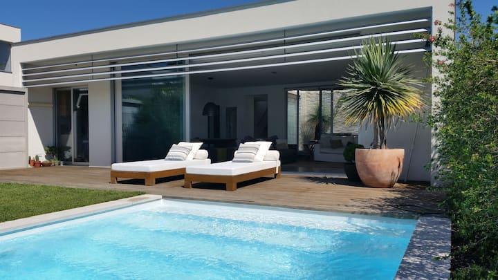 Beach Villa near Lisbon + Sesimbra