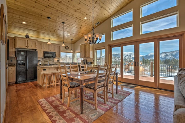 South Lake Tahoe Retreat with BBQ & Mtn-View Deck!