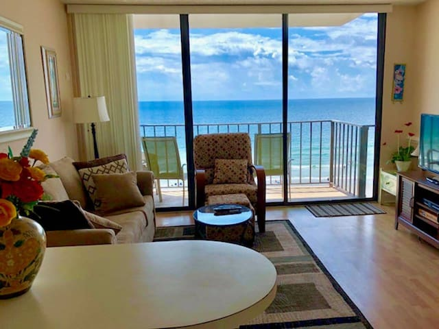 IT FEELS LIKE THE OCEAN IS IN YOUR LIVING ROOM! Relax in this OCEANFRONT condo on North Myrtle Beach with VIEWS FOR MILES. Enjoy the Pool, Hot Tub and Outdoor Grill