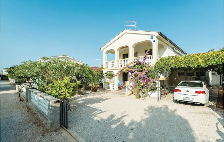 Holiday apartment with 2 bedrooms on 40 m² CDA389
