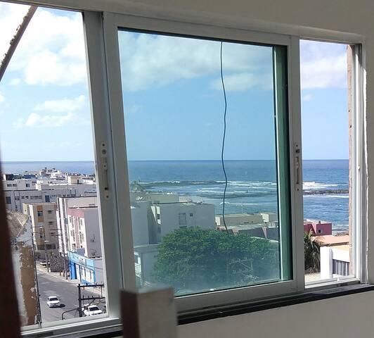 Apartamento 2/4 vista mar