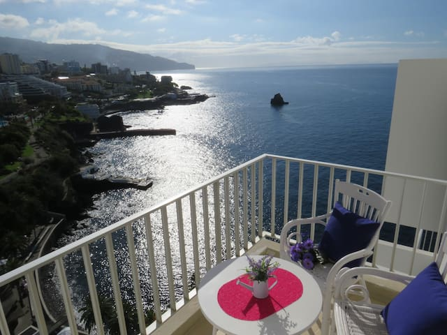 FANTASTIC OCEAN VIEW ! - Funchal - Appartement