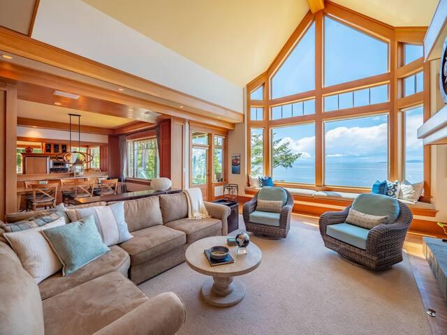Exquisite view home - open for spring break!