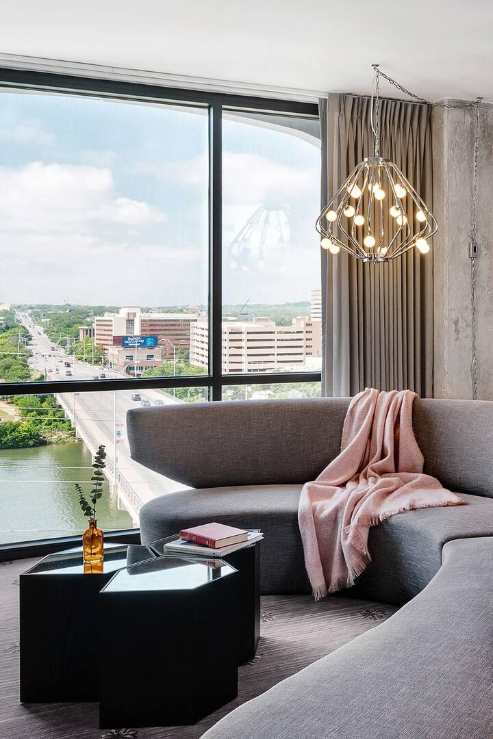 The LINE Austin, Avenue Suite