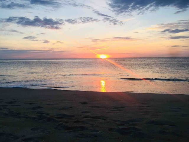 Family friendly & just minutes from VB Oceanfront!
