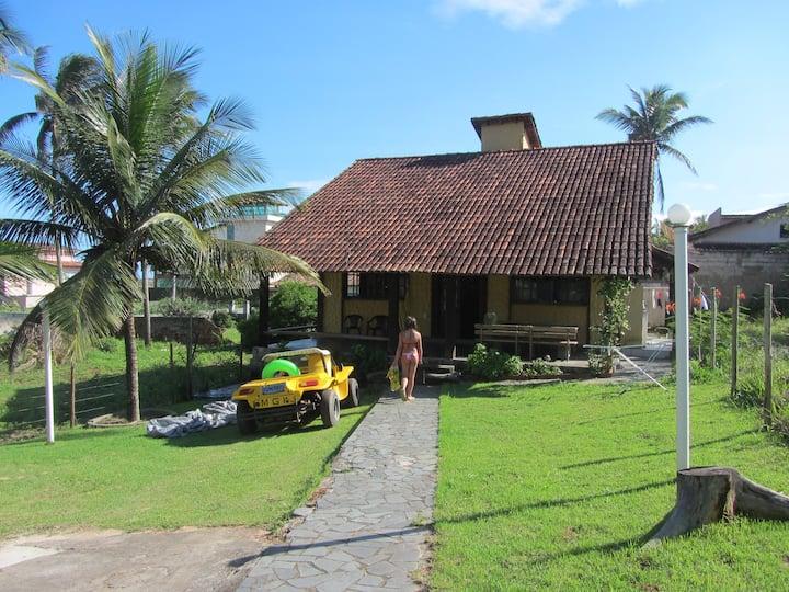 Casa rústica, tranquila e funcional em Meaípe