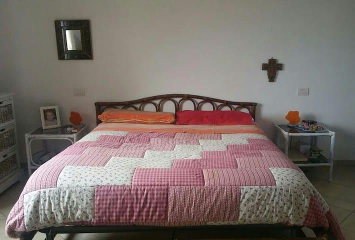 appartamenti piano attico con posti auto gratuiti - Lecce - Apartment