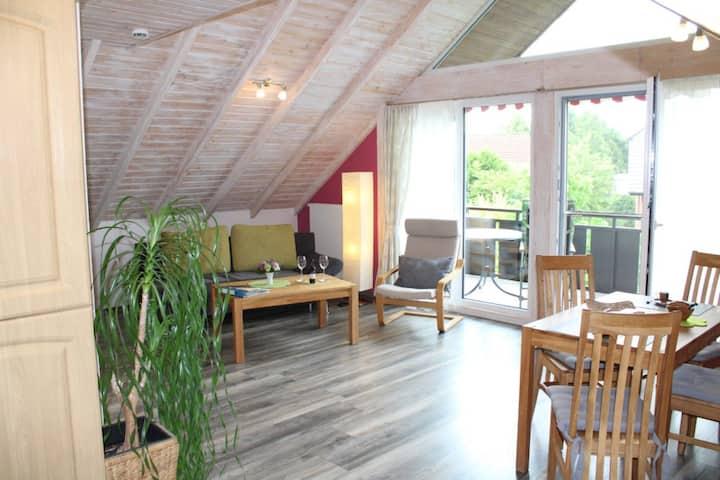 Ferienwohnungen Lohner Höhe (Bad Sassendorf) -, Gemütliche und ruhige Fewo Sonnentraum mit großer Loggia
