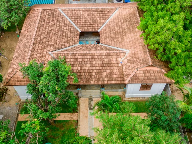 Thambu Illam - Deluxe room in the heart of Jaffna