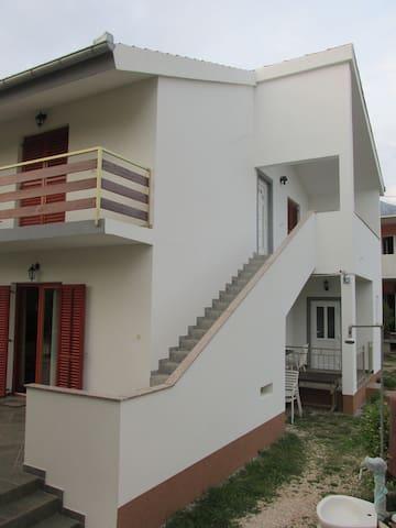 Apartmani s pogledom na more - Starigrad - Dormitorio para invitados