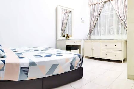 Cozy and Clean Room in Melaka