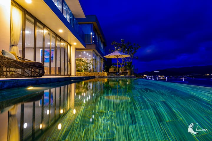 ✯LUCINA VILLA - FOUR-BEDROOMS AND INFINITY POOL✯