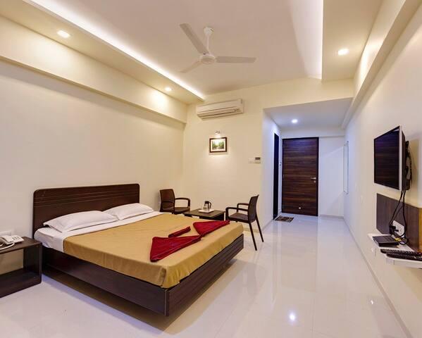 Hotel Galaxy Inn, Kolhapur Deluxe Room Non Ac