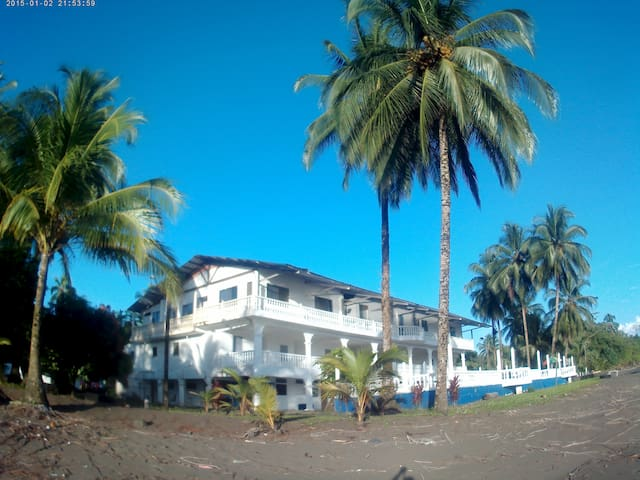 Galeón La Magia del Pacifico - Buenaventura - Retkeilymaja
