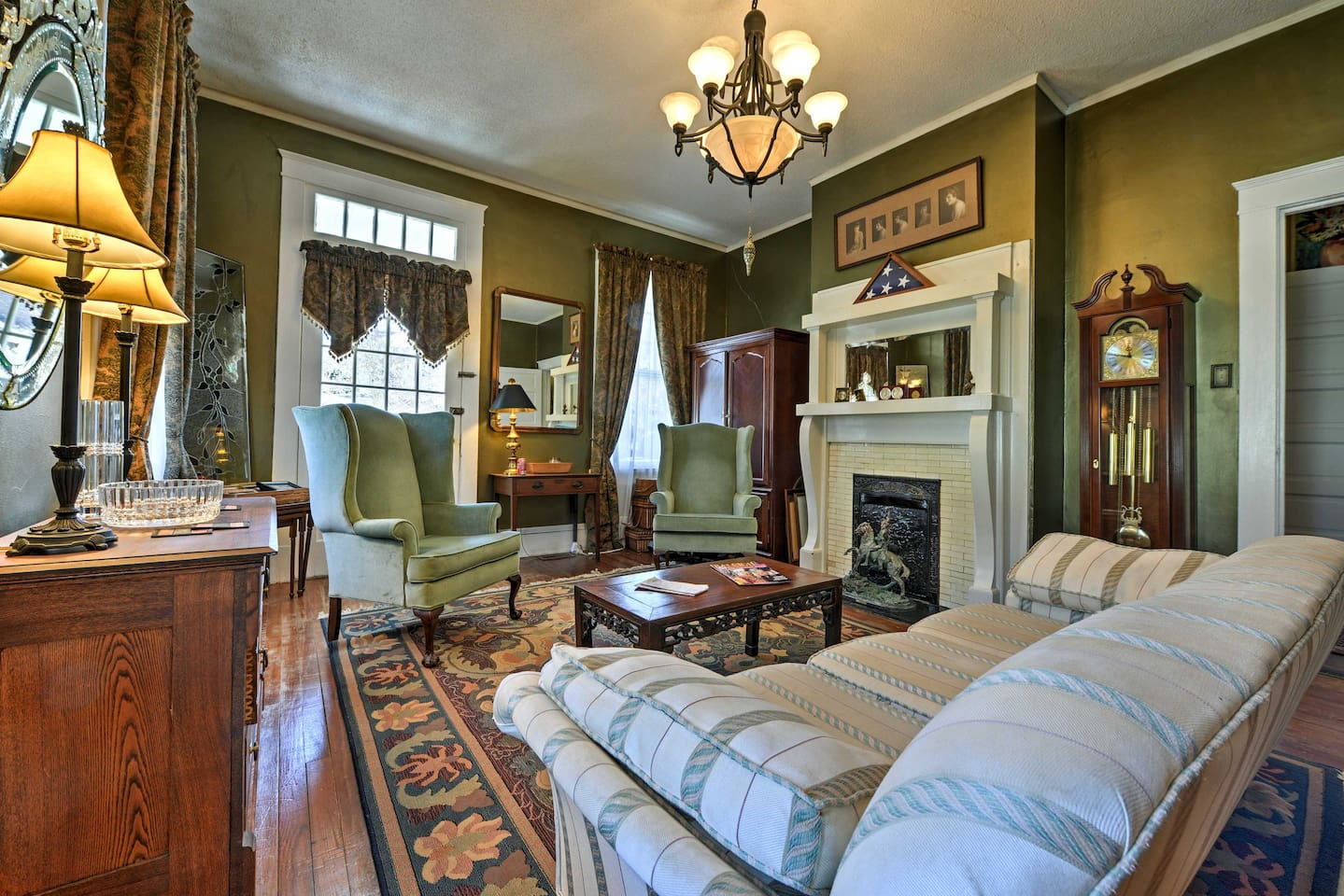 Transport back in time at this historic Raleigh vacation rental apartment!