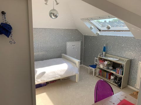 Single room close to The Pantiles, station & shops