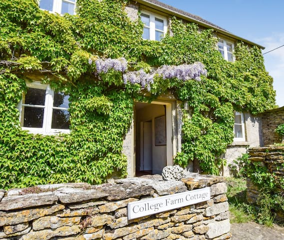 College Farm Cottage, Nr. Burford, Cotswolds