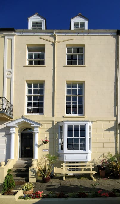 Grade 2 listed Georgian town house with spectacular sea views.