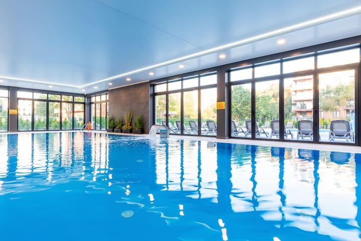 Polanki Park 108 | Pool, Spa, Gym, Restaurant