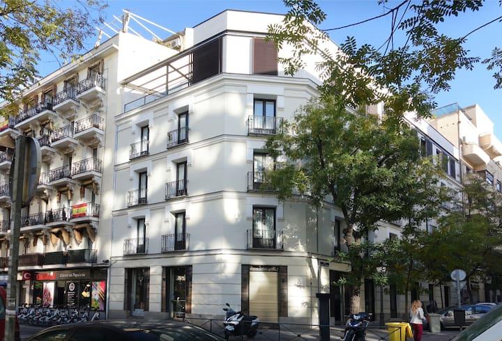 Modern loft in best area of Madrid -Wifi & Netflix