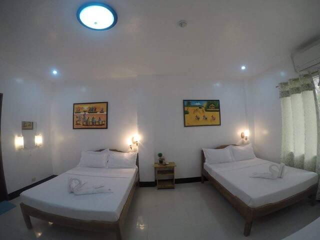 Rodriguez Lodge: Quad Room ( good for 4 pax)