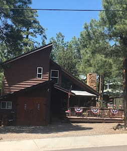 Cowboy Chic Cabin in Cool Pines - Munds Park - 小木屋
