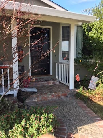 Comfy Cozy Safe in San Jose - Willow Glen/Almaden