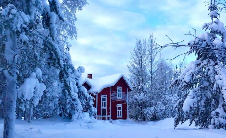 Unique 1830's wooden house in Lapland
