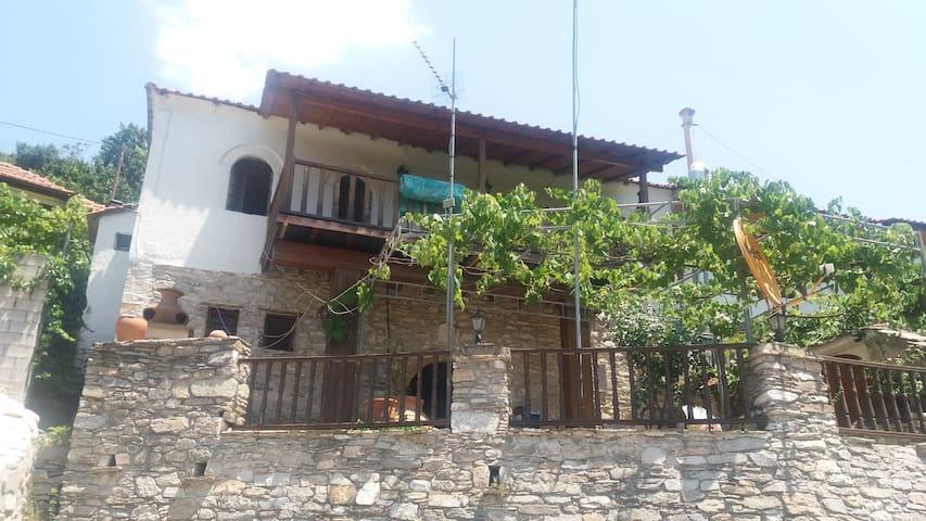 ΠΑΡΑΔΟΣΙΑΚΗ ΚΑΤΟΙΚΙΑ ΥΡΩ - Thassos .Megalos Prinos - House