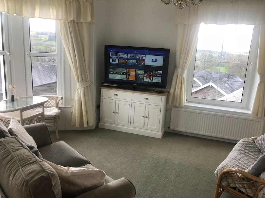 Lounge with Sky TV, also lovely views of the Brecon Beacons.