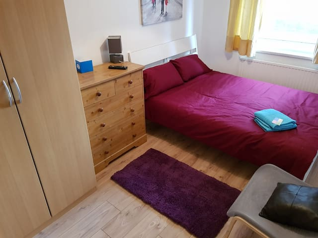 Fantastic double room (C) 1 min  Bethnal Green stn
