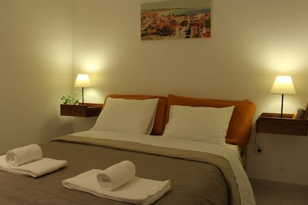 Central Charming Suite w/ Private WC & Terrace - Byt