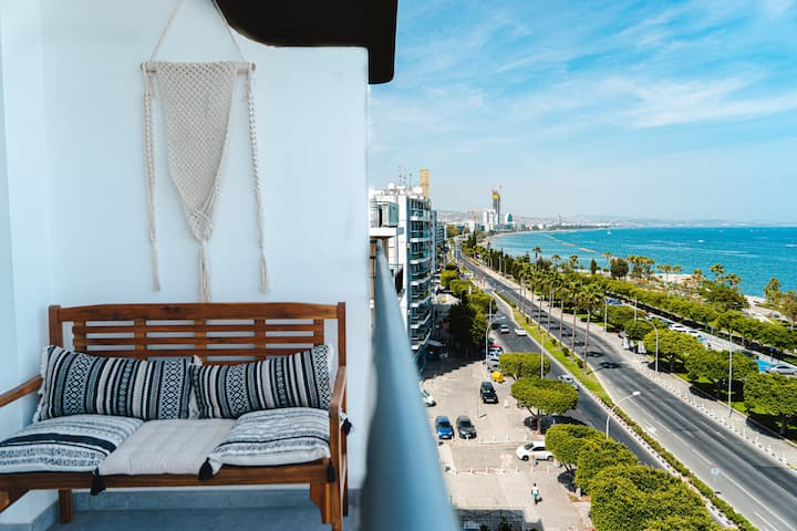Just a Seaview Apartment * Top Central Location *