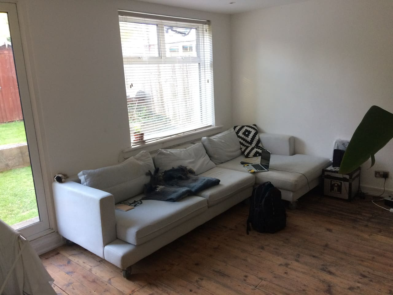 Living room with access to LARGE shared garden
