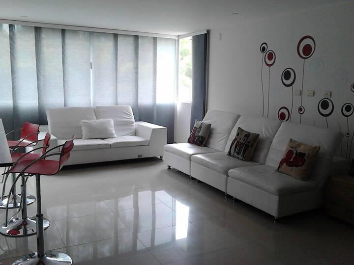 Elegante apartamento en 5to piso