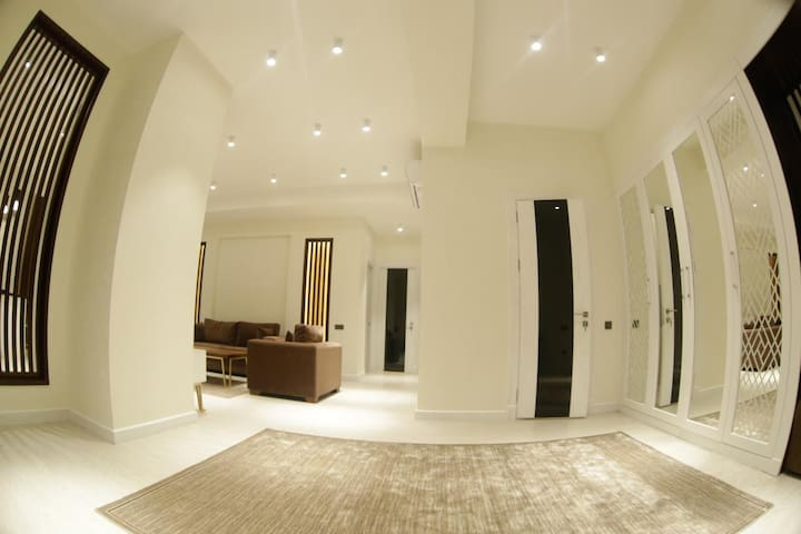 Studio Apartment. Perfect location, real photos.