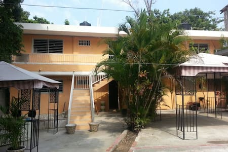 Travel Guest House - Port-au-Prince - Szoba reggelivel
