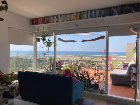 OceanForestView Cozy Apartment