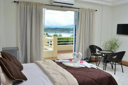 Penthouse family room Villa Sierra - プエルトプリンセサ