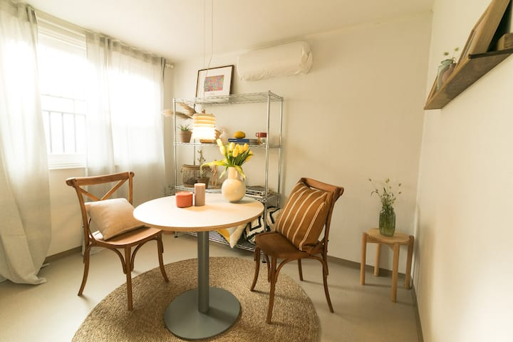 *NEW* Beautiful+stylish 2br middle of itaewon area